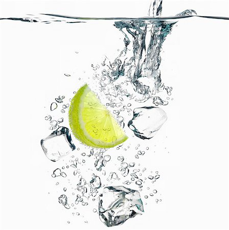 Bubbly lime juice with ice cubes Stock Photo - Premium Royalty-Free, Code: 649-07065044