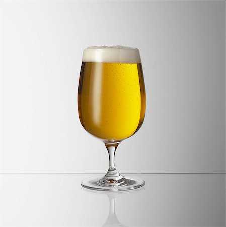 Glass of beer Stock Photo - Premium Royalty-Free, Code: 649-07065081