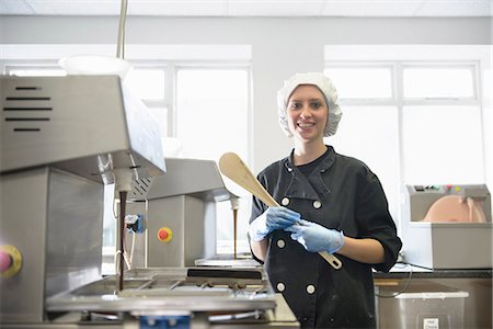 food processing plant - Portrait of chocolatier in sweet factory Stock Photo - Premium Royalty-Free, Code: 649-07063222