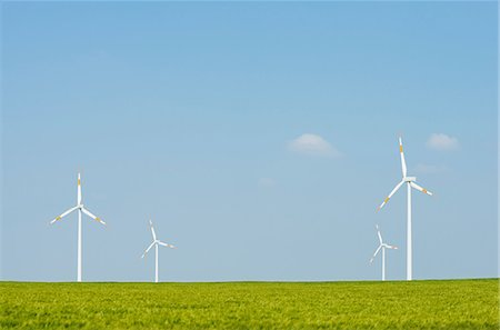 Wind turbines on horizon, Selfkant, Germany Photographie de stock - Premium Libres de Droits, Code: 649-07063473