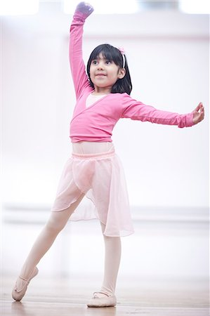 Young ballerina in pose Stock Photo - Premium Royalty-Free, Code: 649-07063679