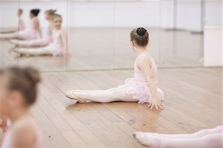 Young ballerina looking at mirror Stock Photo - Premium Royalty-Free, Code: 649-07063695
