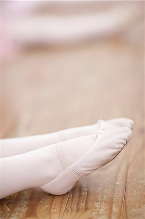 Close up of young ballerinas feet pointing Stock Photo - Premium Royalty-Free, Code: 649-07063699