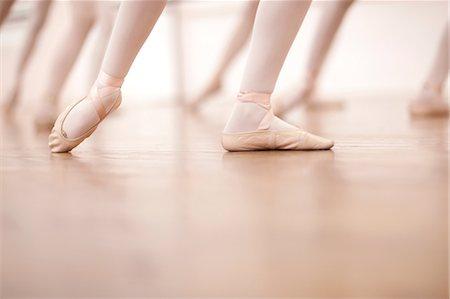 Detail of ballerinas legs in dance class Stock Photo - Premium Royalty-Free, Code: 649-07063725
