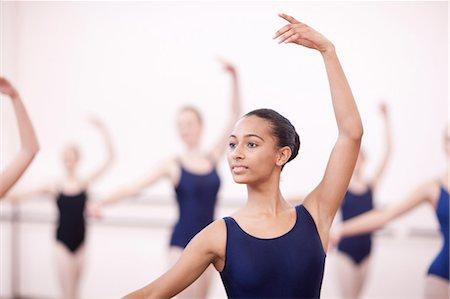 Group of synchronized teenage ballerinas Stock Photo - Premium Royalty-Free, Code: 649-07063720