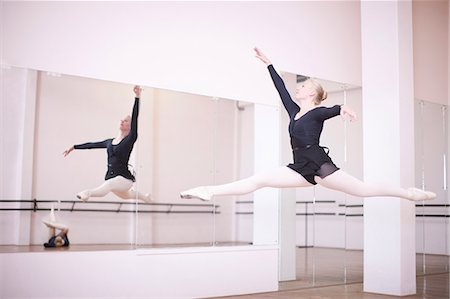 Ballerina practicing mid air jump Stock Photo - Premium Royalty-Free, Code: 649-07063746