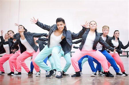 preteen dancing - Large group of teenagers dancing in studio Stock Photo - Premium Royalty-Free, Code: 649-07063753