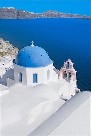 santorini - Blue domed church, Oia, Santorini, Greece Stock Photo - Premium Royalty-Free, Code: 649-07118321
