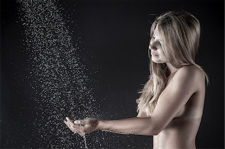 Woman showering Stock Photo - Premium Royalty-Free, Code: 649-07118722