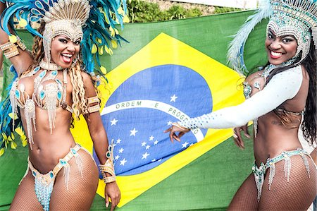 Samba dancers with brazilian flag, Rio De Janeiro, Brazil Stock Photo - Premium Royalty-Free, Code: 649-07119532