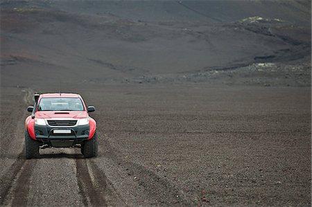 extreme terrain - Customised SUV on gravel track, Fjallabak, Iceland Stock Photo - Premium Royalty-Free, Code: 649-07239688