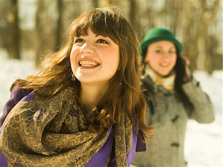 style - Two young women in snowy park Stock Photo - Premium Royalty-Free, Code: 649-07239885
