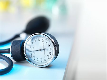 equipment - Blood pressure gauge in Doctors surgery Stock Photo - Premium Royalty-Free, Code: 649-07279798