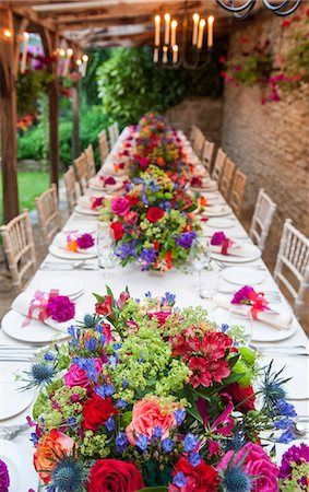 decoration - Elevated view of long table at wedding reception Stock Photo - Premium Royalty-Free, Code: 649-07280111