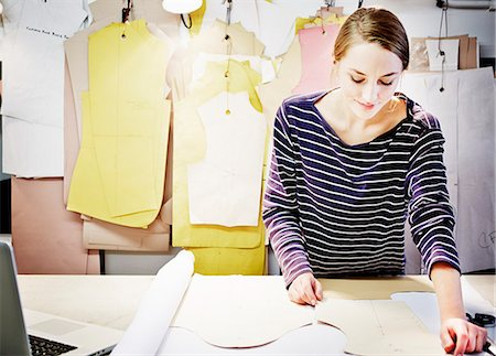 designer (female) - Seamstress working at table Stock Photo - Premium Royalty-Free, Code: 649-07280199