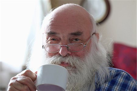 Senior man drinking tea Stock Photo - Premium Royalty-Free, Code: 649-07520227
