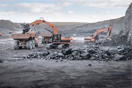 Machines working in surface coal mine Stock Photo - Premium Royalty-Free, Code: 649-07520514