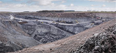 Overview of excavation and geology in surface coal mine Stock Photo - Premium Royalty-Free, Code: 649-07520532
