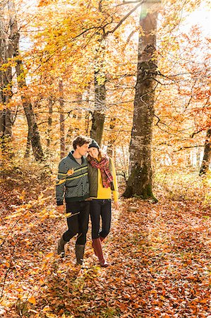 fall - Couple walking in forest Stock Photo - Premium Royalty-Free, Code: 649-07521102