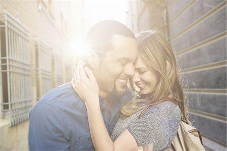 Tourist couple hugging, Valencia, Spain Stock Photo - Premium Royalty-Free, Code: 649-07560084