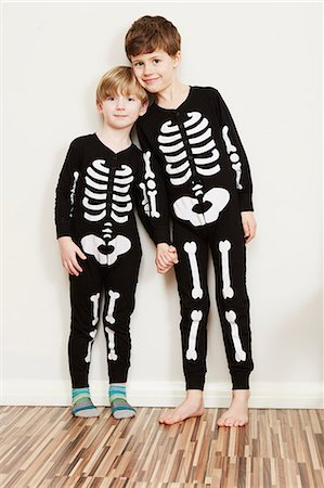 person - Two boys dressed in skeleton outfits Stock Photo - Premium Royalty-Free, Code: 649-07560311