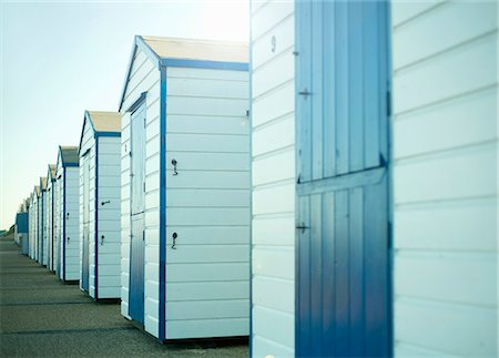 empty - Beach huts, Southwold, Suffolk, UK Photographie de stock - Premium Libres de Droits, Code: 649-07560381