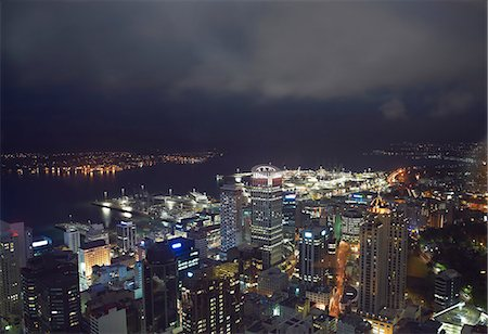 High angle view of Auckland at night, New Zealand Stock Photo - Premium Royalty-Free, Code: 649-07560450