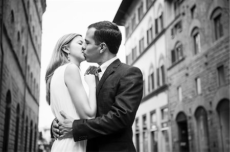 street - Couple kissing in street in Florence Stock Photo - Premium Royalty-Free, Code: 649-07585402