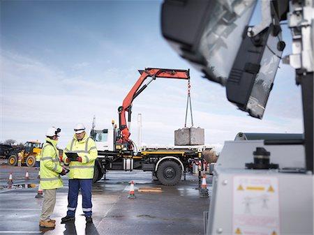 Emergency Response workers training with truck crane Stock Photo - Premium Royalty-Free, Code: 649-07596611