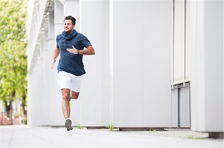 runner (male) - Jogger running Stock Photo - Premium Royalty-Free, Code: 649-07647818