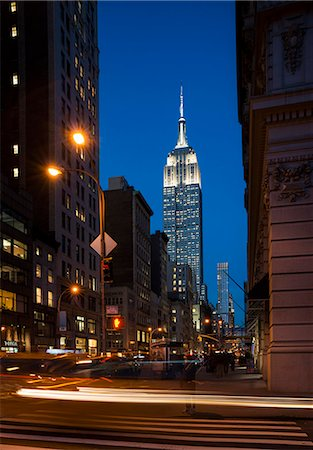Street view of New York with Empire State Building in view Stock Photo - Premium Royalty-Free, Code: 649-07648404