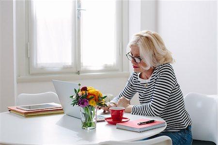 single mature people - Mature woman at home using laptop Stock Photo - Premium Royalty-Free, Code: 649-07648528