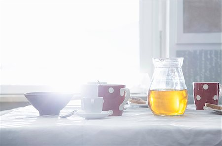 Table set for breakfast Stock Photo - Premium Royalty-Free, Code: 649-07648559