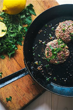 Meat frying in pan Stock Photo - Premium Royalty-Free, Code: 649-07761147