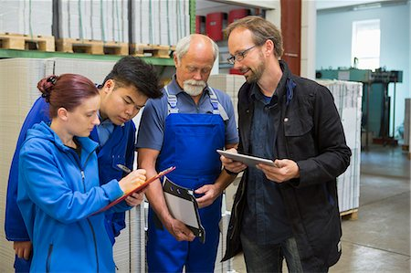 supervising - Factory workers with supervisor Stock Photo - Premium Royalty-Free, Code: 649-07804441