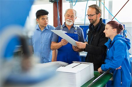 supervising - Factory workers with supervisor Stock Photo - Premium Royalty-Free, Code: 649-07804443