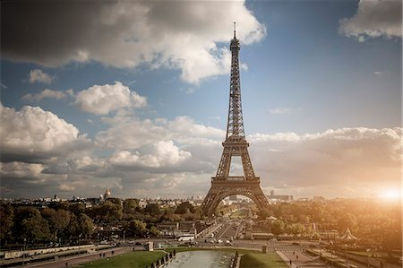 View of park and Eiffel Tower, Paris, France Stock Photo - Premium Royalty-Free, Code: 649-08004268