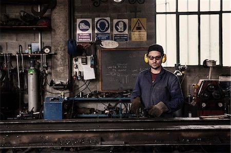 Portrait of welder in workshop Stock Photo - Premium Royalty-Free, Code: 649-08003999