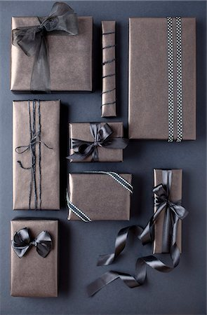 rectangle - Gift-wrapped boxes Stock Photo - Premium Royalty-Free, Code: 649-08060140