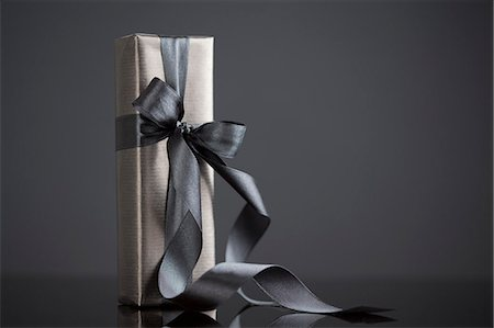 Gift-wrapped boxes Stock Photo - Premium Royalty-Free, Code: 649-08060143