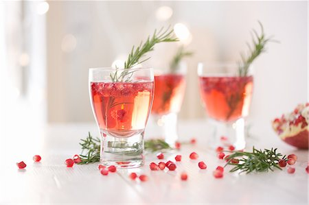 sweet   no people - Sparkling rose wine spiced with rosemary and pomegranate Stock Photo - Premium Royalty-Free, Code: 649-08084787