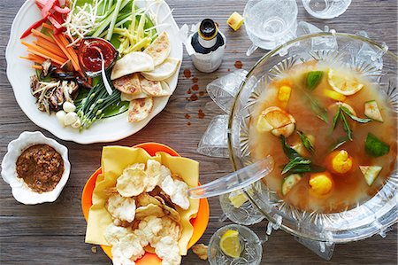 delicious - Still life of punch cocktail bowl with party food Stock Photo - Premium Royalty-Free, Code: 649-08085308