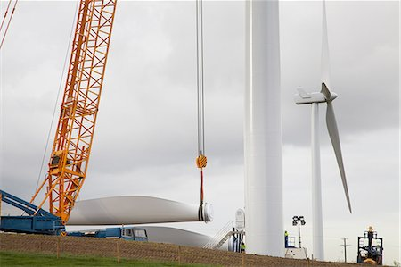 Wind turbine being erected Stock Photo - Premium Royalty-Free, Code: 649-08085572