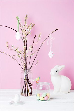 Still life of blossom twigs, Easter bunny and birds Stock Photo - Premium Royalty-Free, Code: 649-08119339
