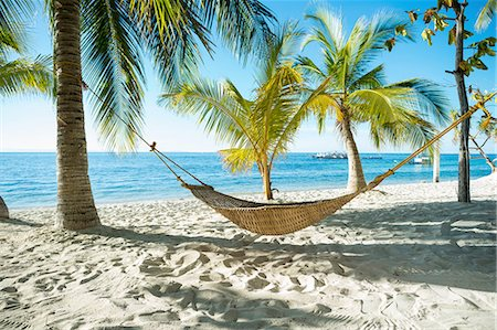 Hammock on tropical beach, Cebu, Philippines Stock Photo - Premium Royalty-Free, Code: 649-08180321
