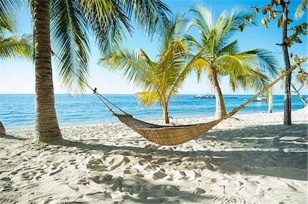 Hammock on tropical beach, Cebu, Philippines Stock Photo - Premium Royalty-Free, Code: 649-08180321