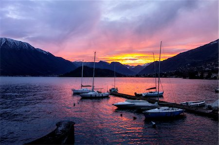 Yachts at sunset on Lake Como, Italy Stock Photo - Premium Royalty-Free, Code: 649-08328983