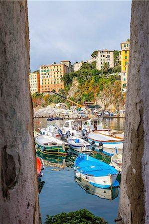 Framed view of fishing boats, Camogli, Liguria,  Italy Stock Photo - Premium Royalty-Free, Code: 649-08381762