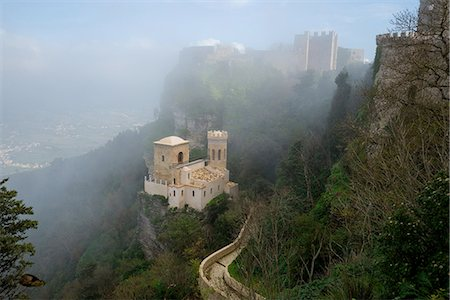 High angle view of Venus castle in mist, Erice, Sicily, Italy Stock Photo - Premium Royalty-Free, Code: 649-08422504