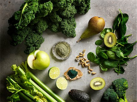 delicious - Overhead view of green colour fruit and vegetables Stock Photo - Premium Royalty-Free, Code: 649-08422896